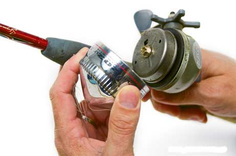 clean your fishing reel