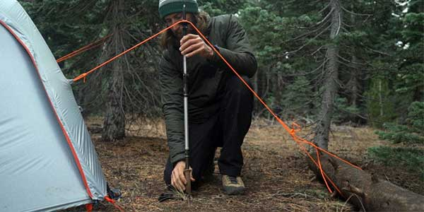 securing your tent paracord